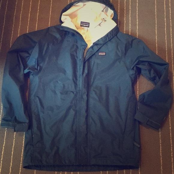 1fe0e61a2 Patagonia Blue Rain Jacket Women's XS/ Kids XL. M_5a89f8db5521be611d5b2ceb